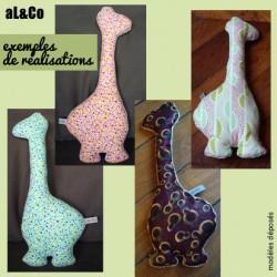 Mme La Girafe doudou coussin